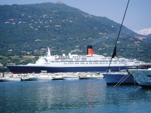 The QE2 off Propriano, Corsica